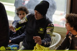 7-Valentino-Rossi-teaching-516x344